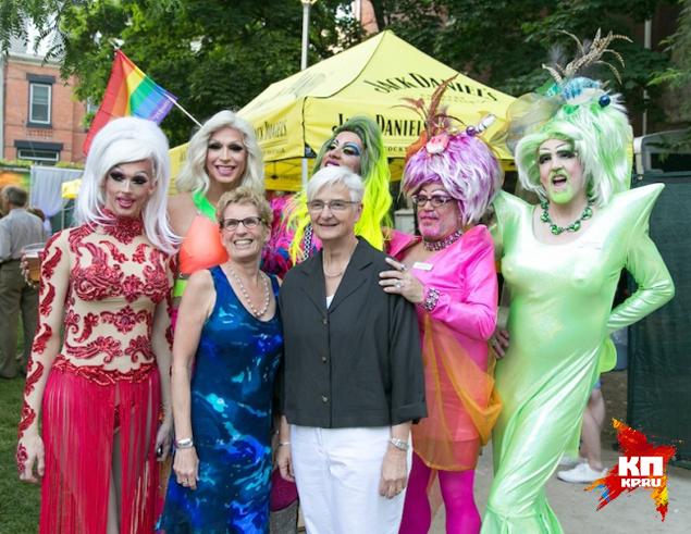 Все началось прошлым летом, когда премьер-министром канадской провинции Онтарио стала Кетлин Винн – лесбиянка