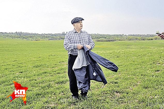 За сорванный клевер - еду для овец - Юрий Михайлович может и голову оторвать! Фото: Виктор ГУСЕЙНОВ