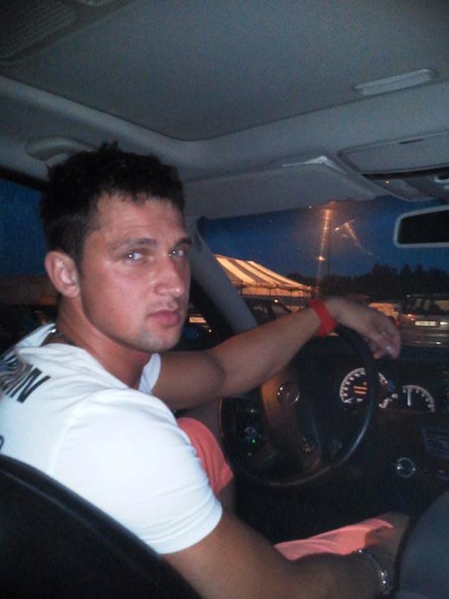 На скандальном проекте Сергей  выиграл автомобиль, а после ухода стал ведущим и шоуменом    ФОТО: vk.com