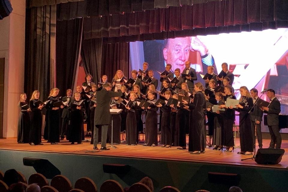 Поклониться Чайковскому и спеть Щедрина