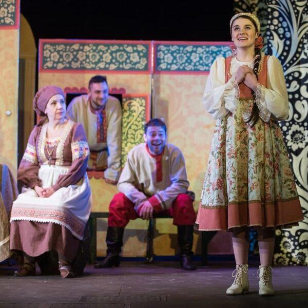 Спектакль «Аленький цветочек» в Губернском театре