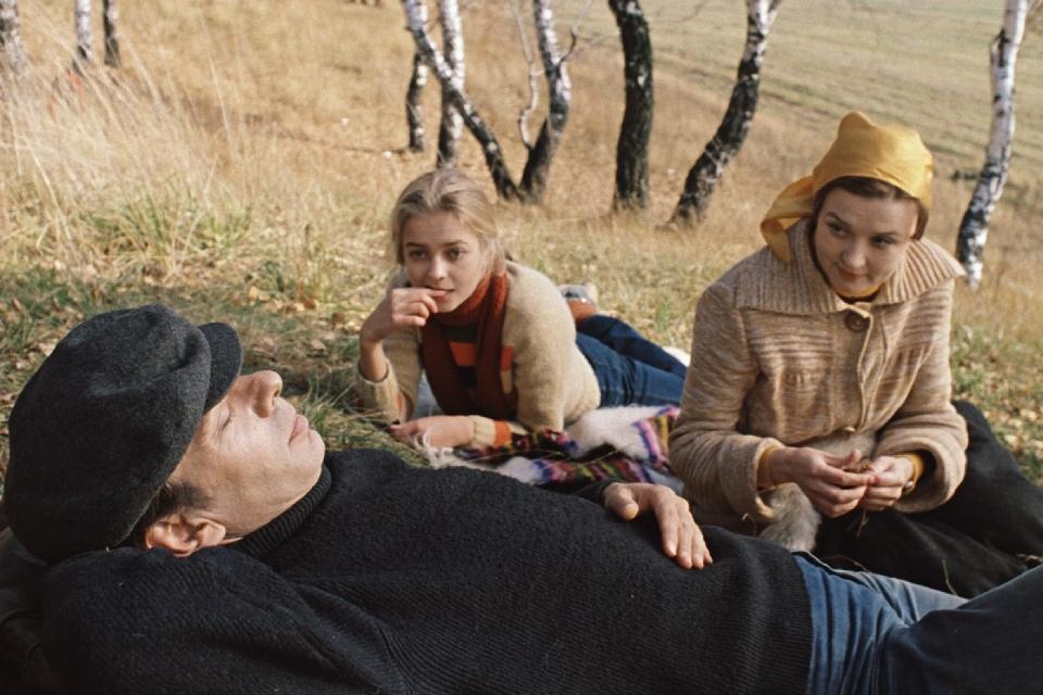 «Москва слезам не верит», «Любовь и голуби», «Ширли-мырли»: топ-5 лучших фильмов Владимира Меньшова