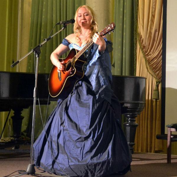 Концерт-спектакль Евы Канны «Земля Обетованная»
