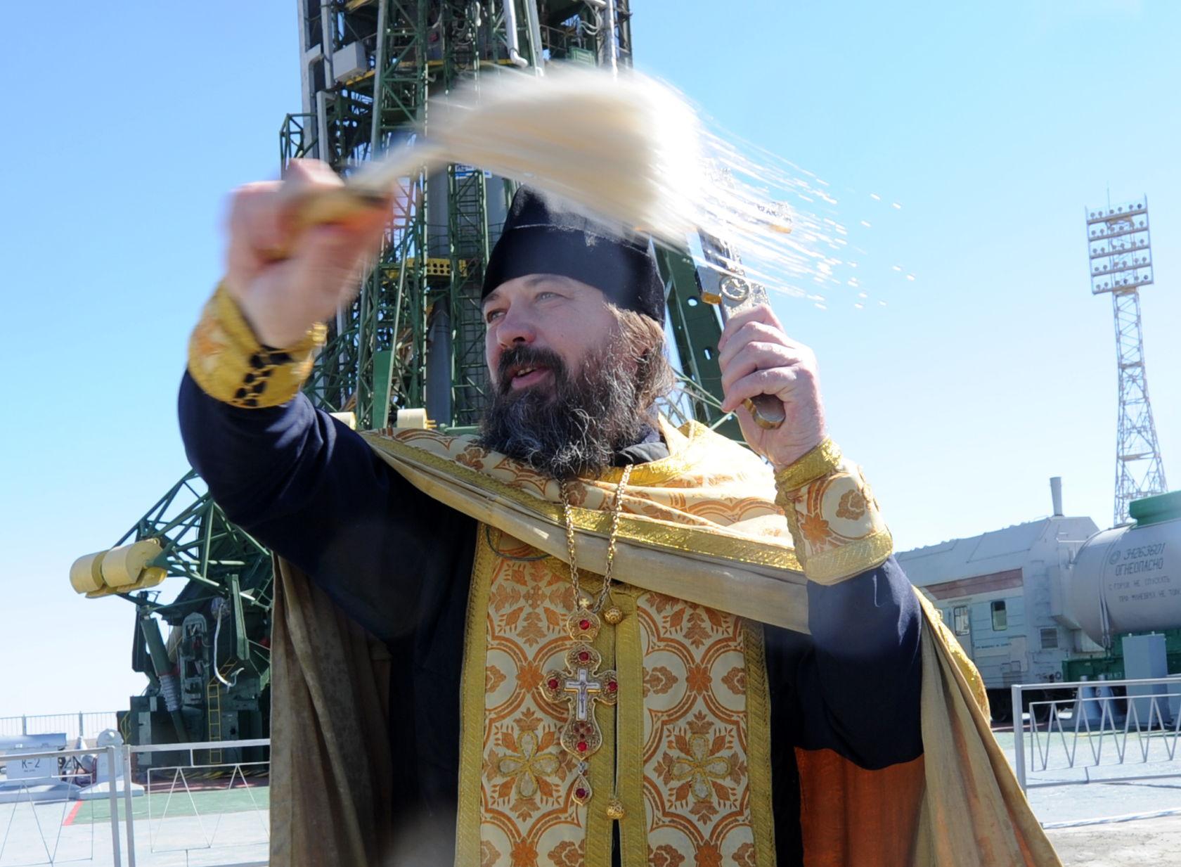 Картинки по запросу Роскосмос священник
