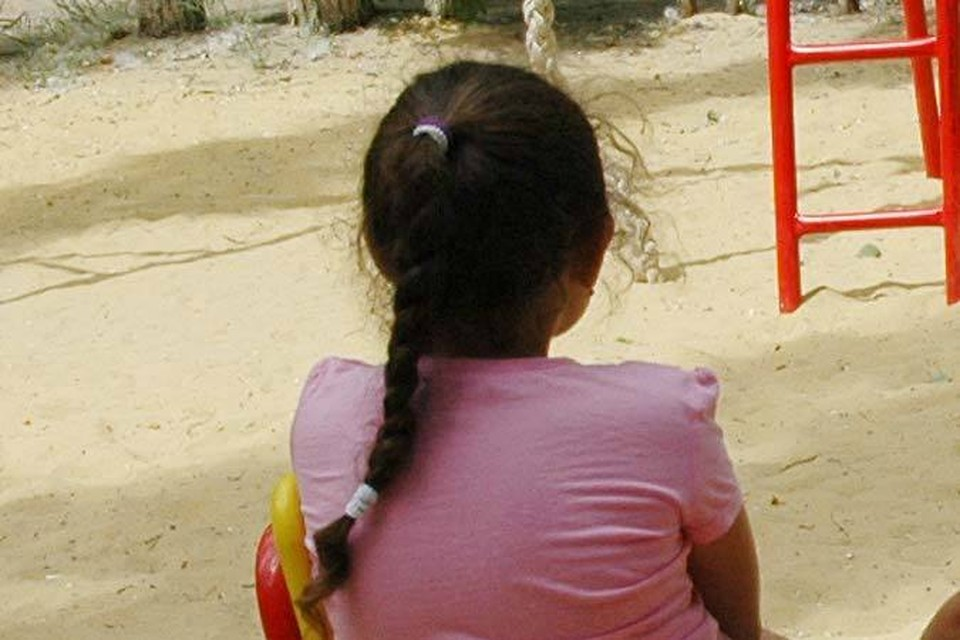 Девочка терпела издевательства несколько месяцев.