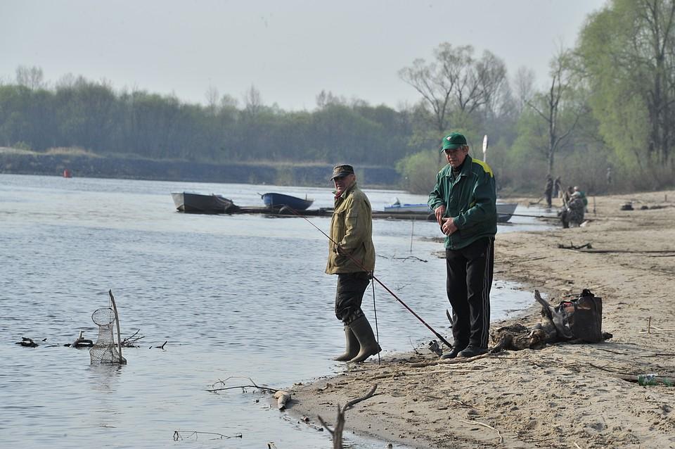 кому запрещена рыбная ловля с лодки