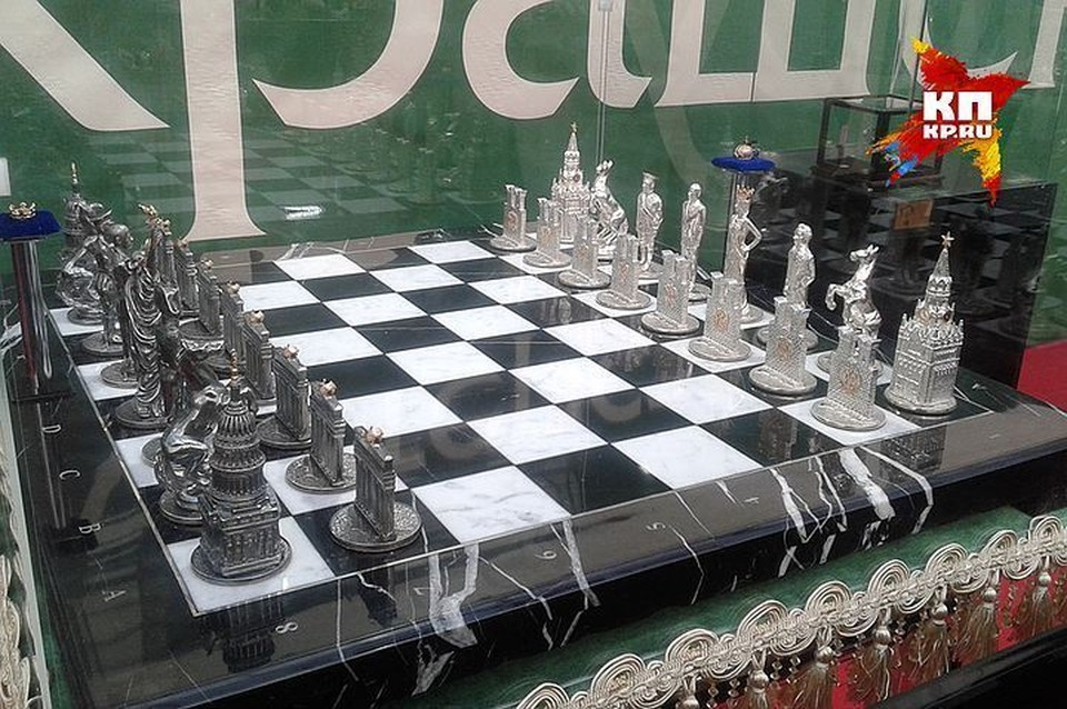 Вторую коллекцию драгоценных шахмат красноярского ювелира оценили в 20 миллионов рублей