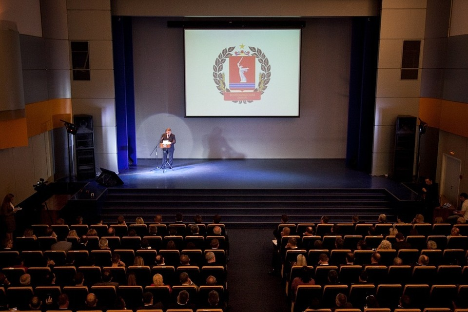 На встрече присутствовали около 400 предпринимателей. Фото: пресс-служба администрации Волгоградской области.