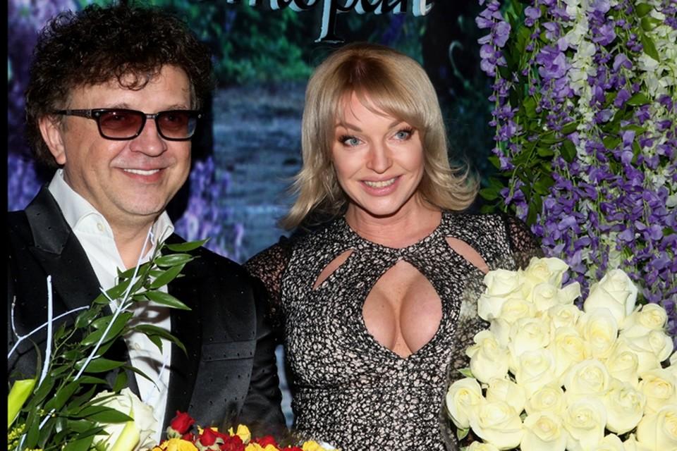 Анастасия Волочкова поздравила Рому Жукова с юбилеем.