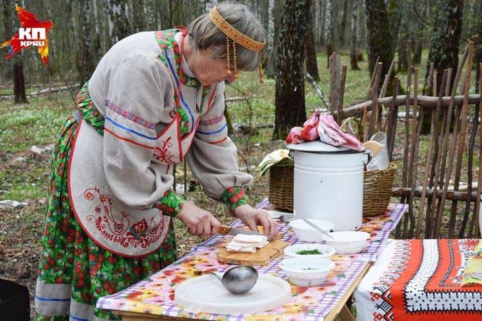 """Фестиваль вкусной еды """"Ложка и кружка"""" не обошелся без сала."""