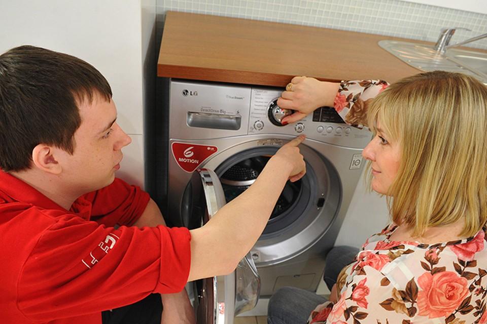 Взвешивая белье, стиральная машина сама определяет нужное для стирки количество воды. А, если учесть, что 70% расхода электроэнергии уходит на нагрев, то очевидна
