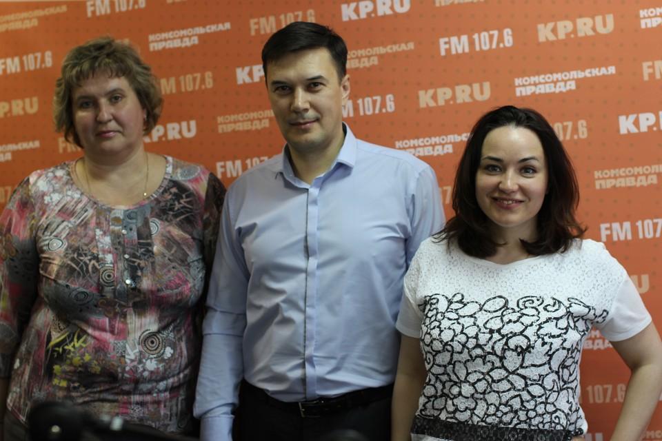 Учитель лицея № 86 Лариса Суслова, психолог Дмитрий Боровиков и ведущая Марина Мирлачева