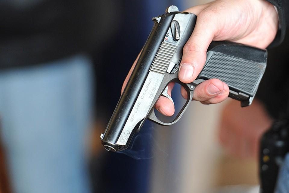 Активнее всего запретить оружие требуют именно те, что не наигрались им в армии, или те, кому это самое оружие никогда купить не позволят.