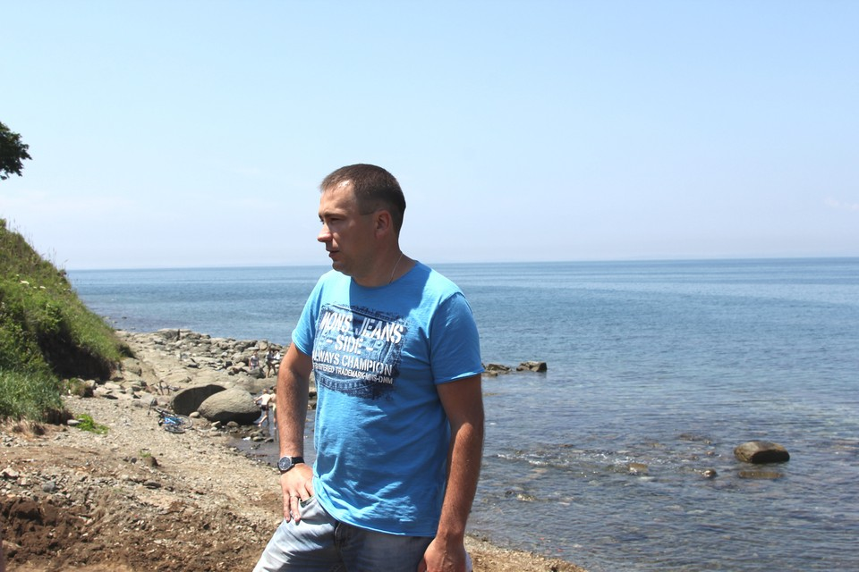 Богдан Дуркалец на границе своего участка. Фото: Из семейного архива