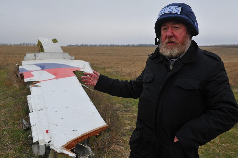 Николай Варсегов много работал в зоне вооруженного конфликта на Донбассе. Вот он на месте крушения малайзийского самолета Boeing-777, выполнявшего рейс MH17 Амстердам - Куала-Лумпур. Почему ему отказали в аккредитации на этот раз, непонятно.