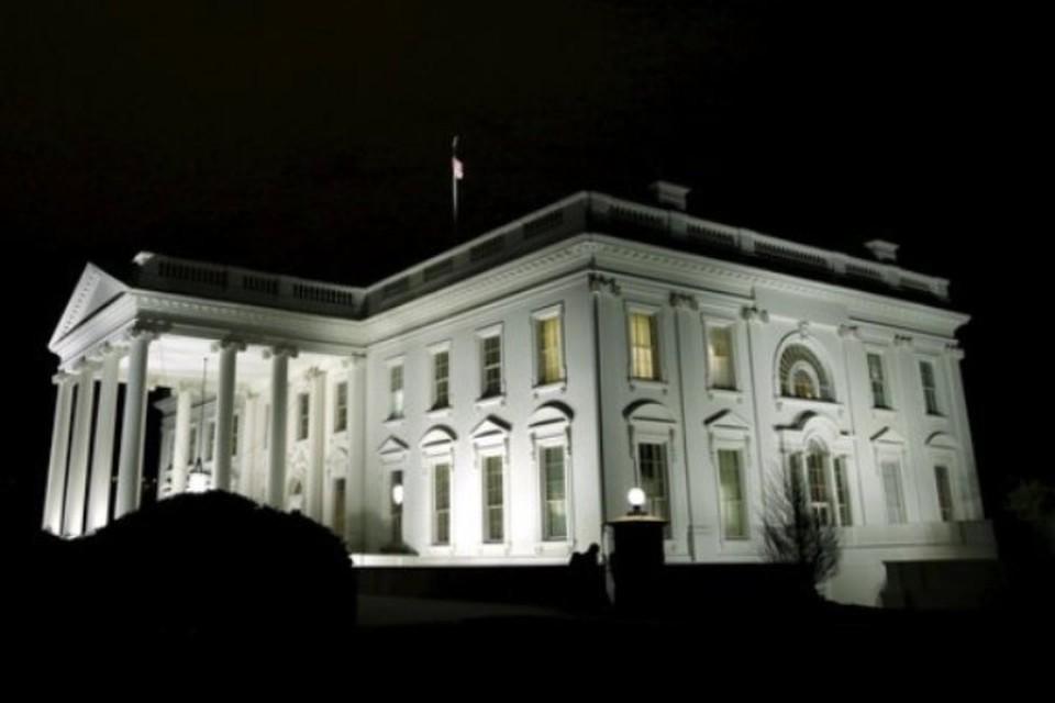 Белый дом может ответить на введенные Москвой санкции, подразумевающие резкое сокращение штата посольства США в России