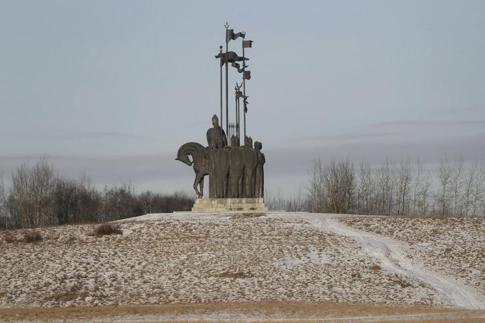 Самый большой памятник князю в Псковской области находится на горе Соколиха