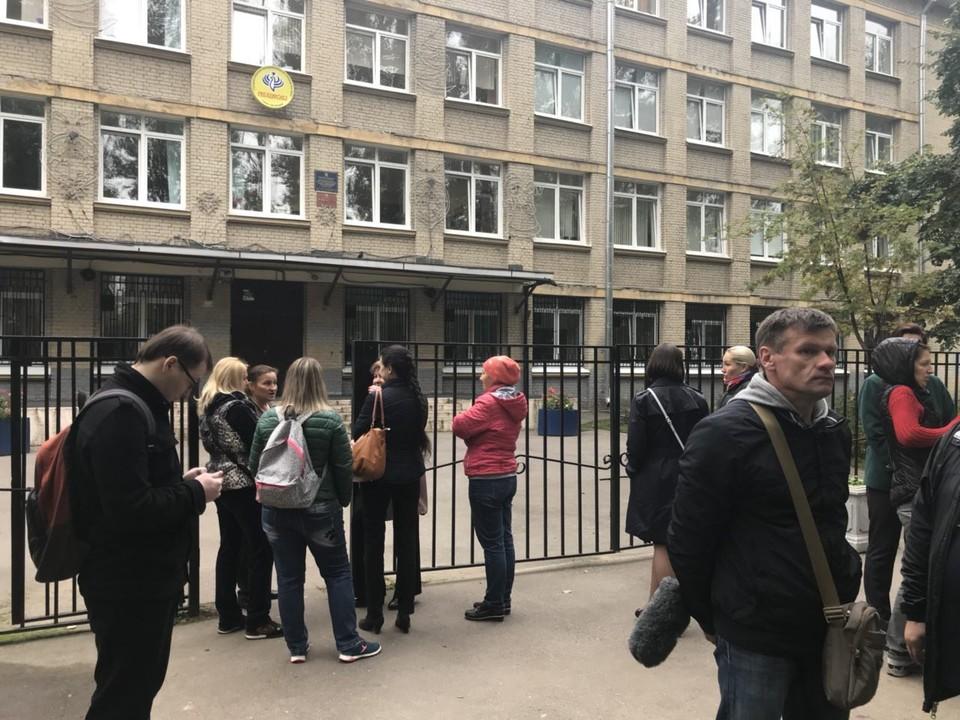 Родители не хотят отпускать Ольгу Николаевну