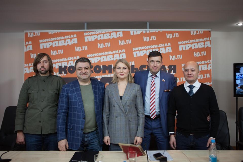 Форум Третья сила, слева направо Станислав Полищук, Андрей Богданов, Ирина Волынец, Ильдар Резяпов, Андрей Гетманов