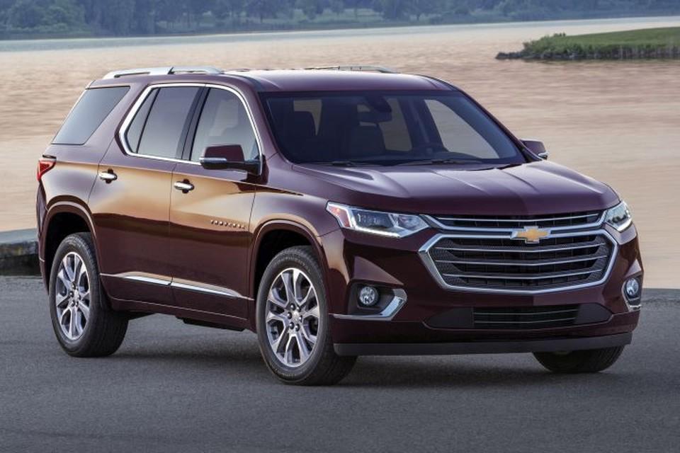 """В Америке Chevrolet Traverse продается с бензиновыми двигателями: двухлитровой """"четверкой"""" с турбонаддувом и атмосферным V6 объемом 3,6 л"""