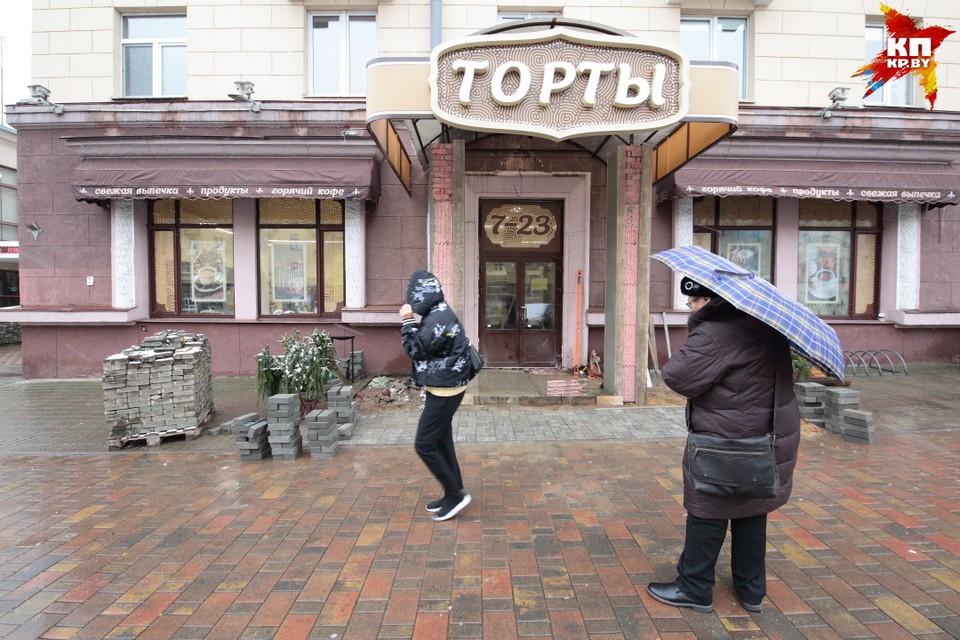 Как выглядит обновленный магазин «Торты»: кафетерий, кирпичные стены и еще больше сладостей