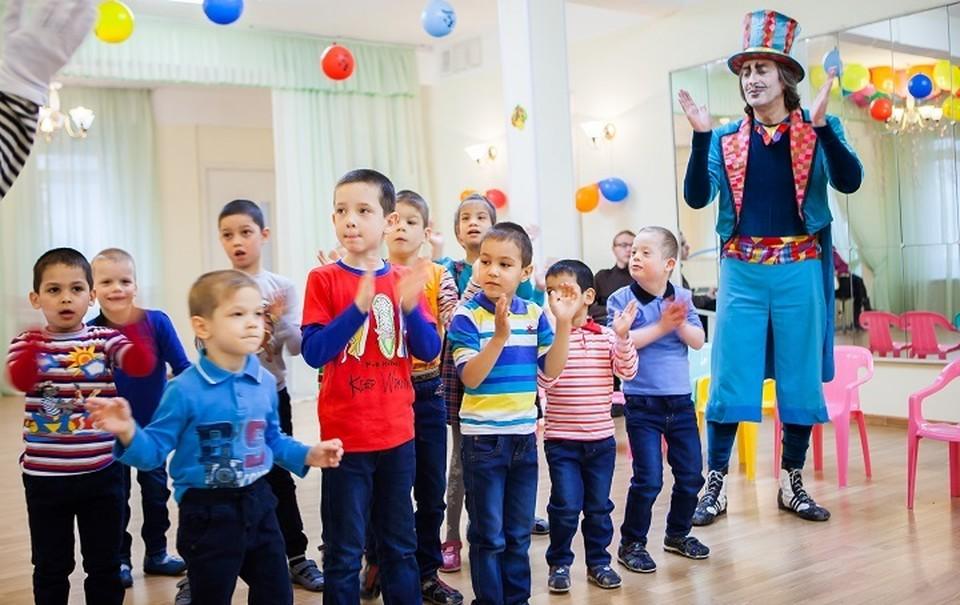 Дети были от артистов в восторге.