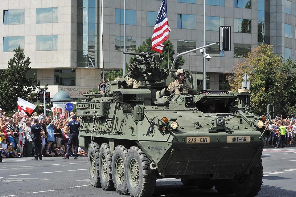 Август 2017 года, американская бронетехника на параде в Варшаве.
