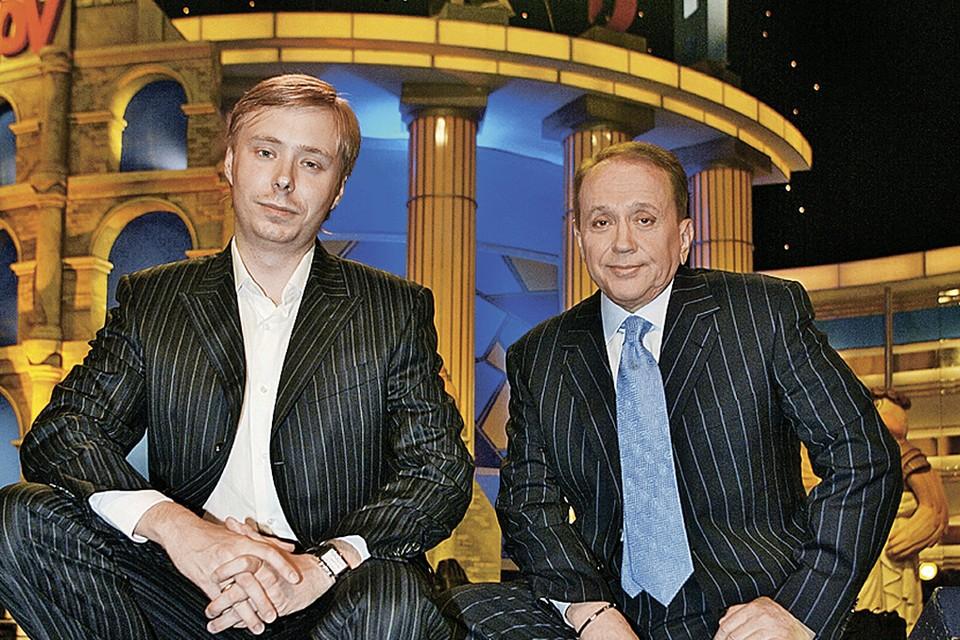 Александр Васильевич Масляков занимает пост президента «АМиКа», а его сын Александр - должность гендиректора этой компании. Фото: photoxpress.ru