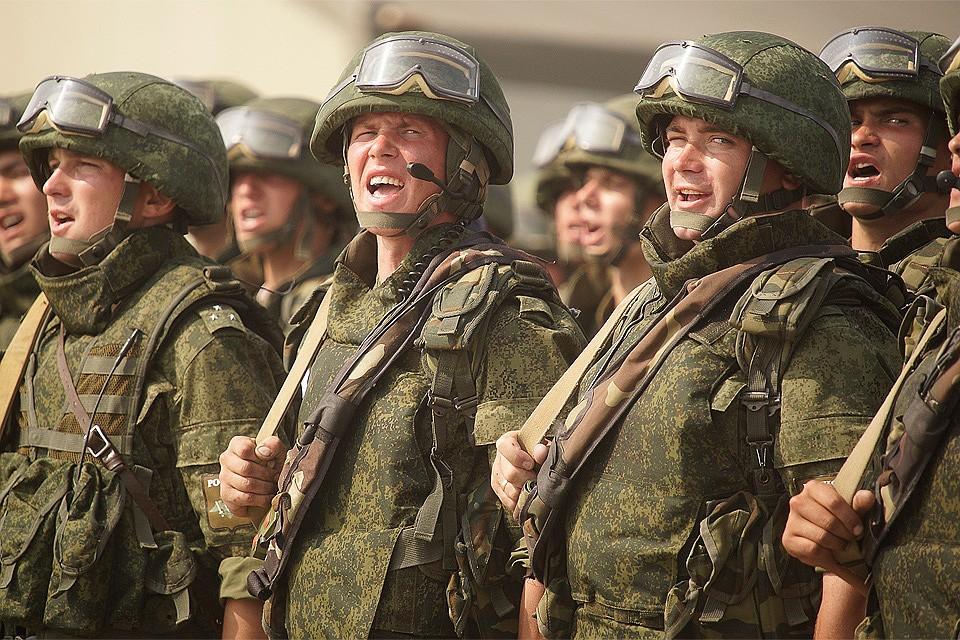 Согласно подписанному президентом указу, солдаты должны отвечать на поздравление или благодарности словами «Служу России!».