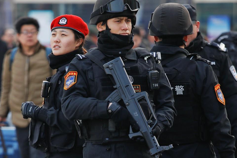 В преддверии китайского Нового года меры безопасности на вокзалах страны были значительно усилены