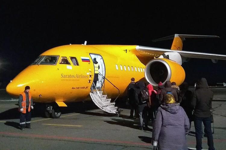 """Разбившийся накануне самолет Ан-148 """"Саратовских авиалиний"""" за неделю до трагедии. Фото предоставлено КП"""