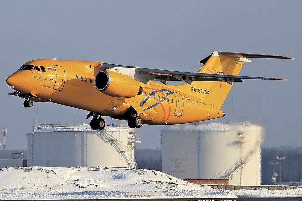 По словам же сотрудников авиакомпании, самолет был абсолютно исправен и перед вылетом прошел все проверки. Фото: Mikhail Grigoryev/REUTERS