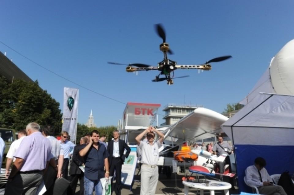 Беспилотники, летающие без разрешения, хотят начать сбивать