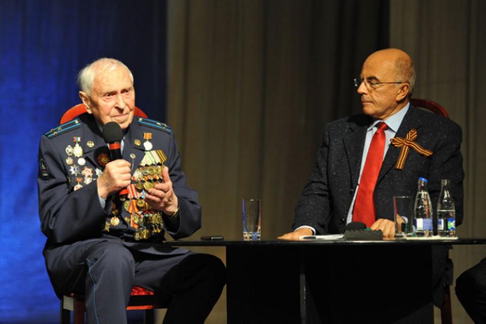 Михаил Бобров и Александр Запесоцкий. ФОТО: СПбГУП