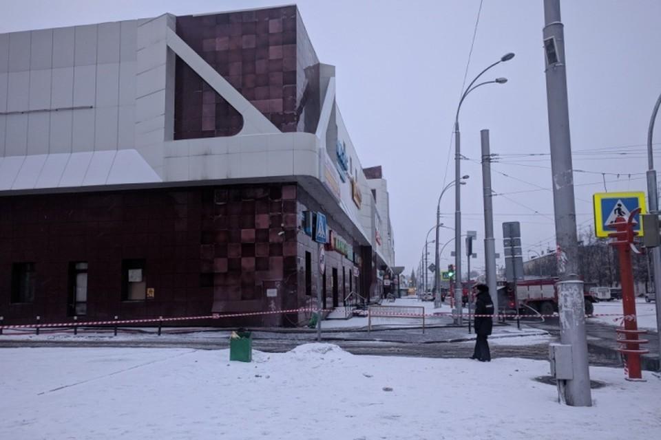 В Кемерово давно наступило утро. Так выглядит горевший ТЦ сейчас