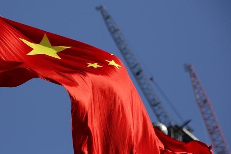 Китай запустил торги нефтяным фьючерсом в юанях