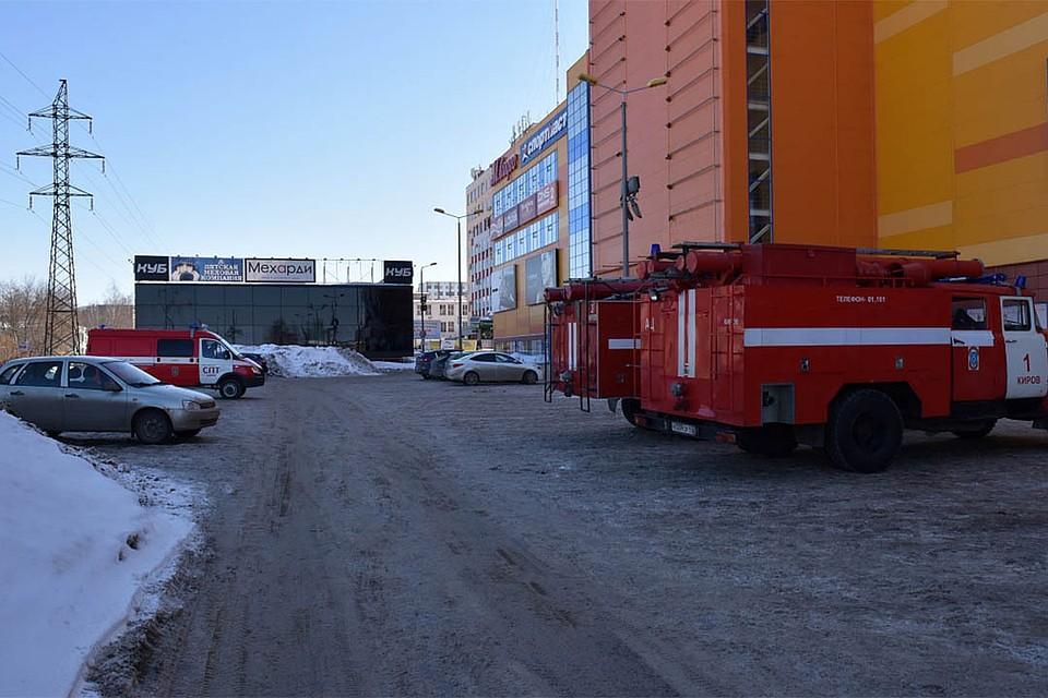 ТРЦ «Jam Молл» в Кирове проверили на пожарную безопасность. Фото  admkirov. 722481ac6d4