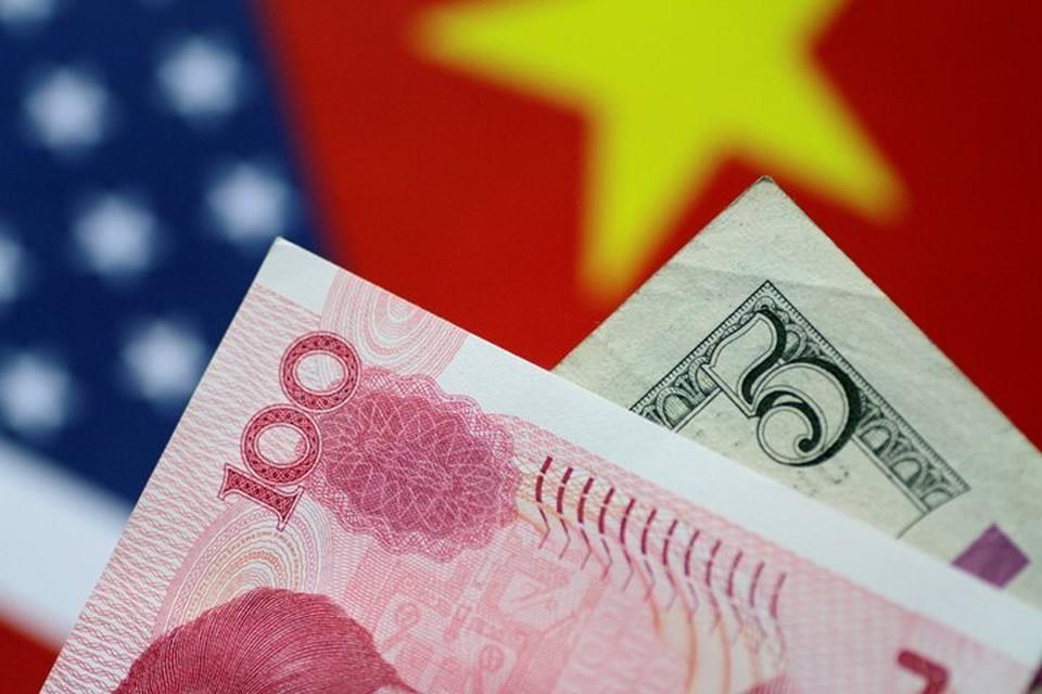 Доллар США и юань КНР