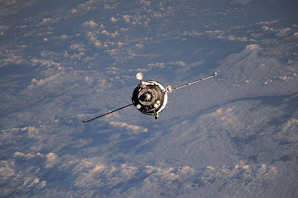Сейчас неофициальная граница между атмосферой и космосом находится в 100 км от поверхности Земли