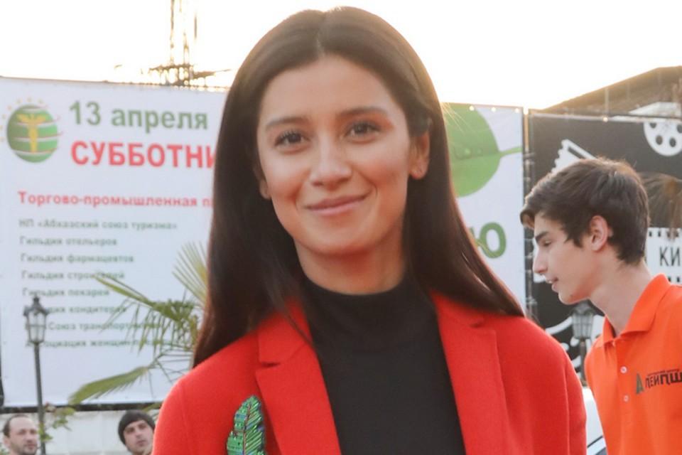 Равшана Куркова на Сухумском международном кинофестивале.