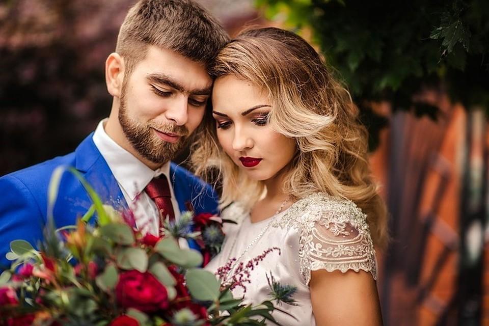 В Москве на майские собрались пожениться более тысячи столичных пар