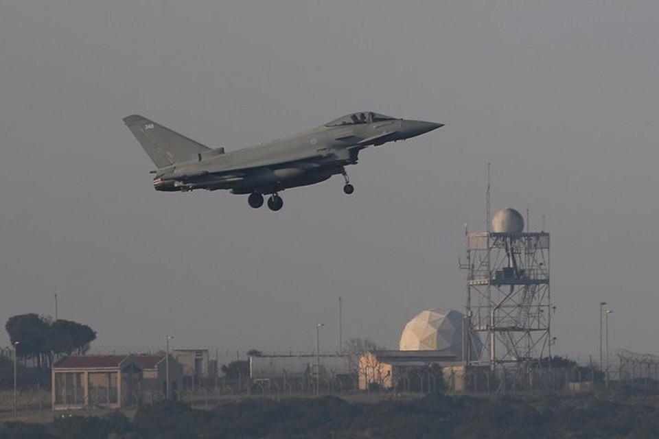 Удар по военным и гражданским объектам в САР был нанесен самолетами и кораблями США совместно с ВВС Великобритании