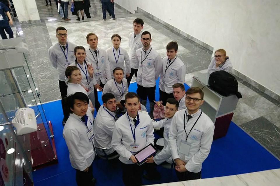 Студенты-медики из Хабаровска заняли второе место во Всероссийской олимпиаде по хирургии. Фото: ДВГМУ