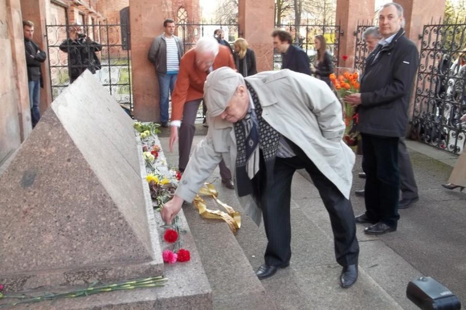 22 апреля многие придут к могиле Иммануила Канта, чтобы почтить его память.