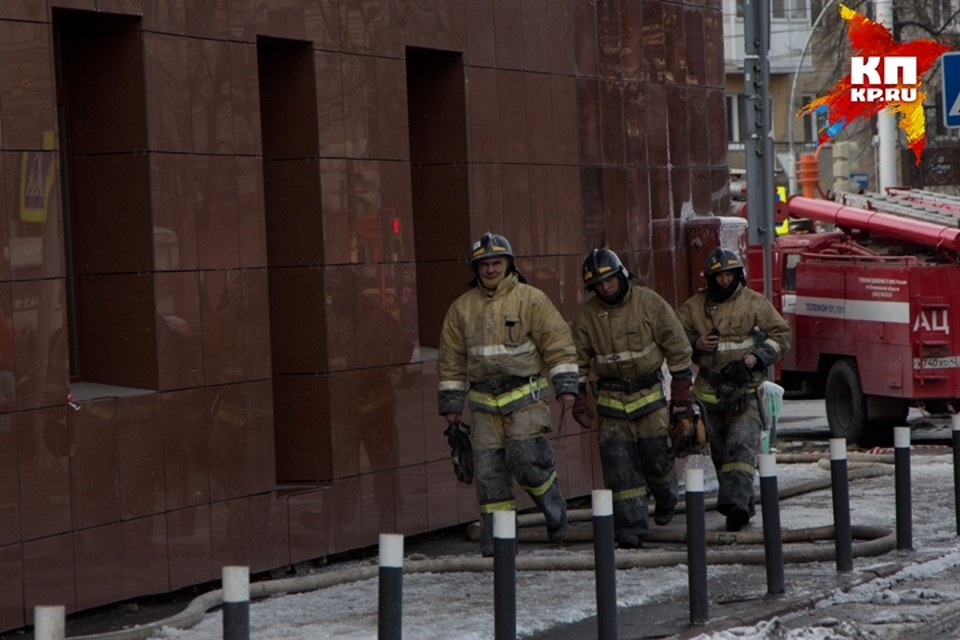В МЧС рассказали, почему невозможно было спасти всех при пожаре в «Зимней вишне»