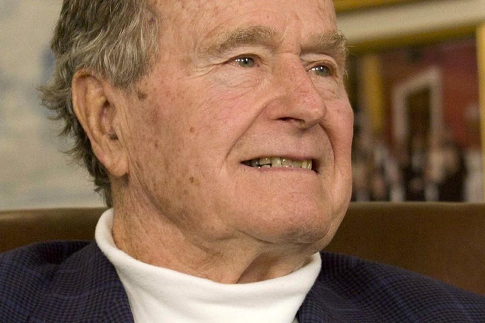 Джордж Буш-старший попал в реанимацию после смерти жены