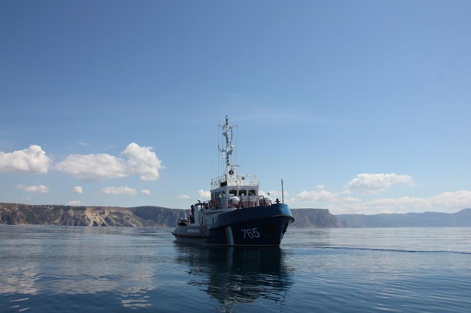 Крымские пограничники дежурят в Черном и Азовском морях