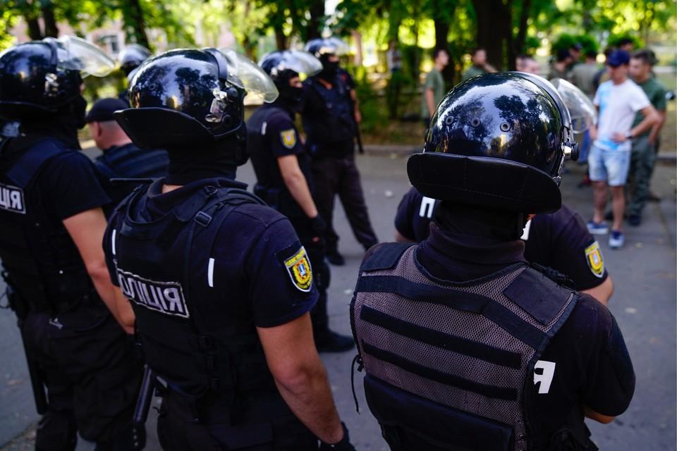 Между радикалами и силовиками произошло столкновение. Фото: Архип Верещагин ТАСС
