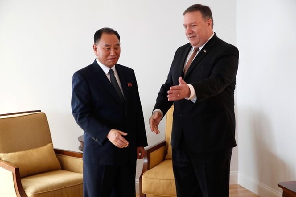 Зампредседателя ЦК Трудовой партии КНДР Ким Ён Чхоль на встрече с госсекретарем США Майком Помпео