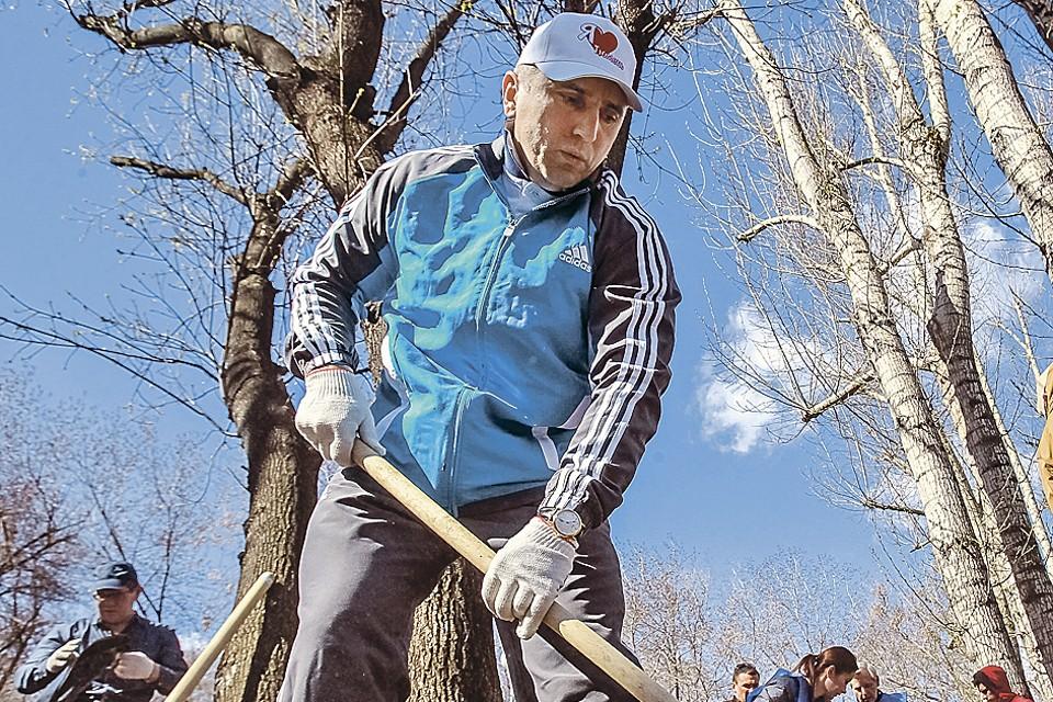 Александру Моору есть чем похвастать: неоднократно он занимал первое место в рейтинге лучших мэров страны. Фото: URA.RU/ТАСС
